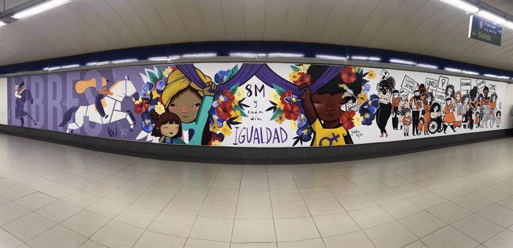Metro de Madrid ha retirado el mural feminista de la estación Sainz de Baranda